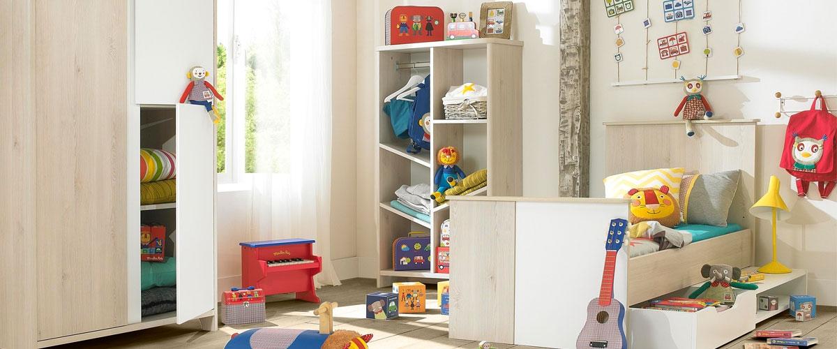 chambre a coucher autour de bebe design de maison. Black Bedroom Furniture Sets. Home Design Ideas
